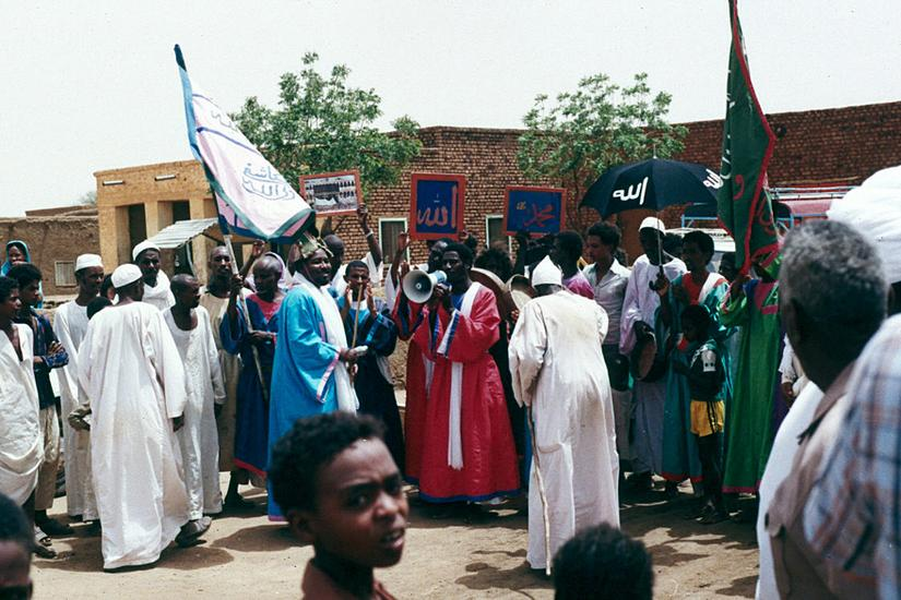 Sudan: Friday in Managil picture 5