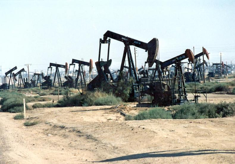 U.S.: West: Pioneer Oil Fields of the San Joaquin Valley