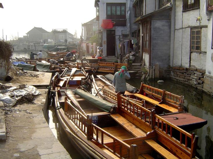 China: Zhouzhuang picture 13