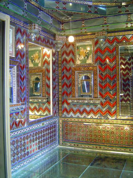 Peninsular India: Udaipur City Palace and Bagore ki Haveli picture 8