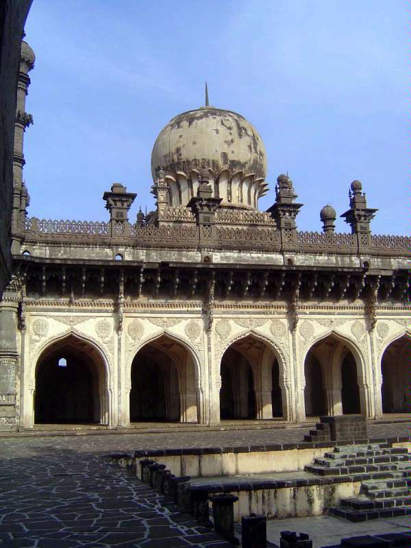 Peninsular India: Bijapur picture 20