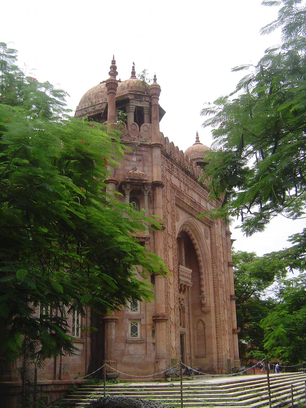 Peninsular India: Chennai / Madras 2: British Public Buildings picture 11