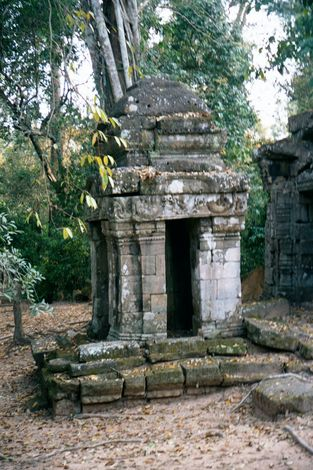 Cambodia (Angkor): The Periphery of Angkor Thom picture 15