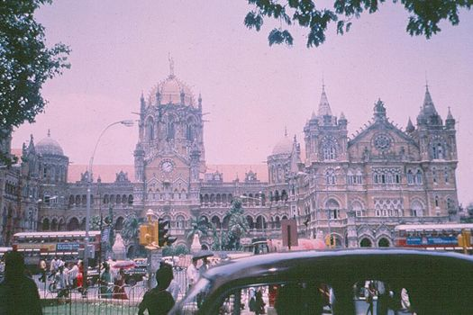 Peninsular India: Mumbai / Bombay: The VT and Taj Mahal Hotel