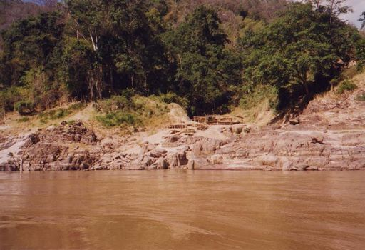 Laos: Mekong Below Houayxay picture 15