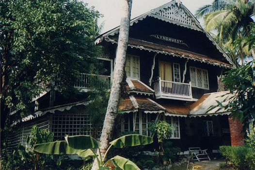 Burma / Myanmar: Moulmein 3: Colonial Houses picture 8
