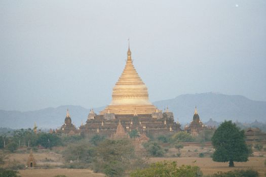 Burma / Myanmar: Pagan 2: More Monuments picture 5