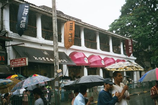 Sri Lanka: Kandy: Now picture 4