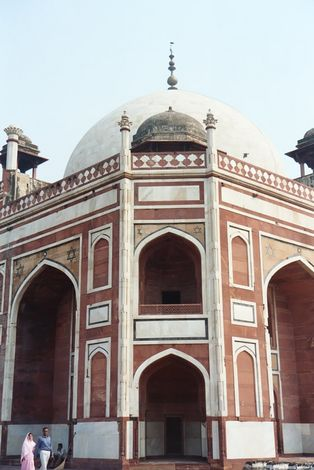 Northern India: Delhi: Humayun's Tomb picture 3