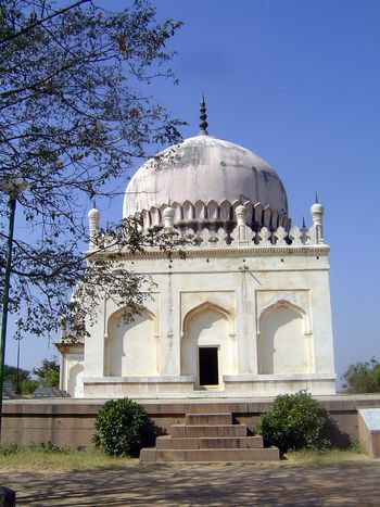 Peninsular India: Hyderabad: Qutb Shahi Tombs picture 2