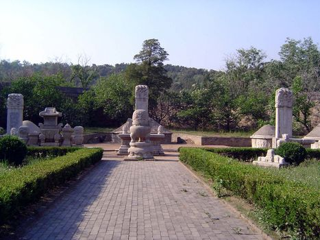 China: Beijing: Eunuch Tombs picture 11