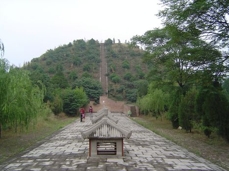 China: Han and Tang Imperial Tombs picture 13