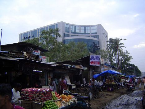 Peninsular India: An Andheri Slum picture 2