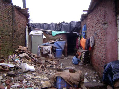 Peninsular India: An Andheri Slum picture 8