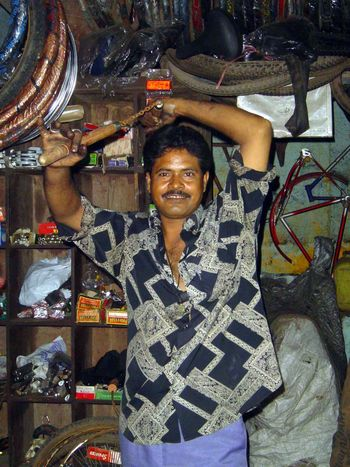 Peninsular India: Mumbai: An Andheri Slum picture 11