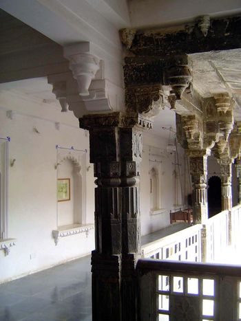 Peninsular India: Udaipur City Palace and Bagore ki Haveli picture 18