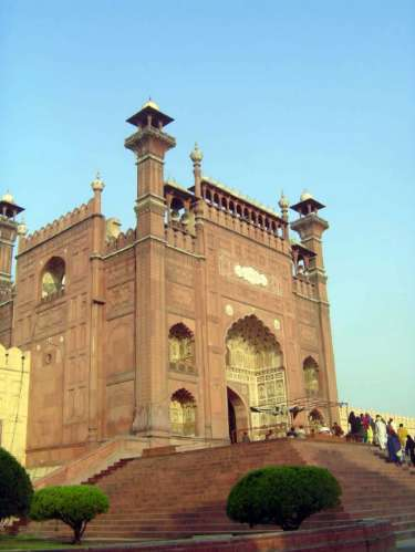 Pakistan: Lahore: Bad Shahi Mosque picture 3