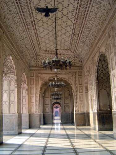 Pakistan: Lahore: Bad Shahi Mosque picture 13