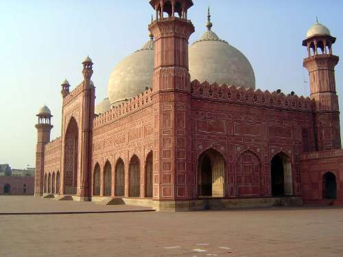 Pakistan: Lahore: Bad Shahi Mosque picture 16