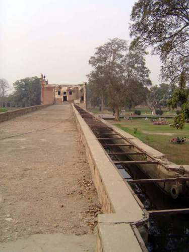 Pakistan: Jahangir's Tomb picture 26