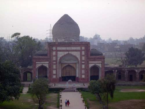 Pakistan: Jahangir's Tomb picture 1