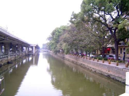 China: Guangzhou: Shamian picture 2