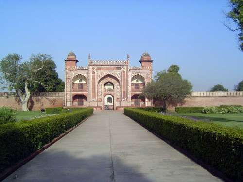 Northern India: Tomb of Itimad-ud-Daulah picture 1