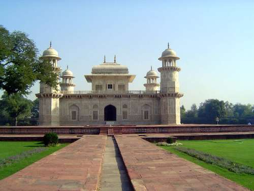 Northern India: Tomb of Itimad-ud-Daulah picture 3