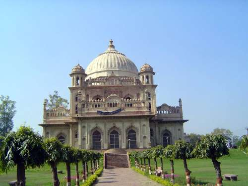 Northern India: Lucknow of the Nawabs picture 45