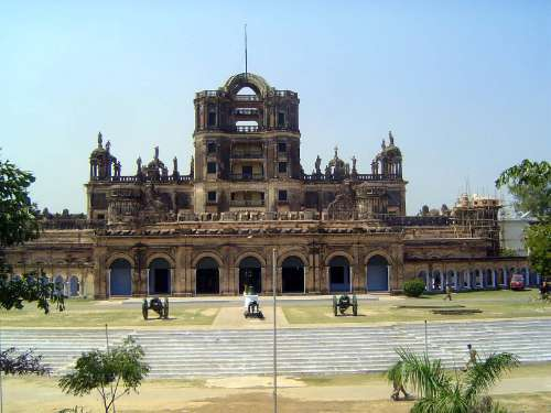 Northern India: Lucknow: La Martiniére and Christ Church picture 3