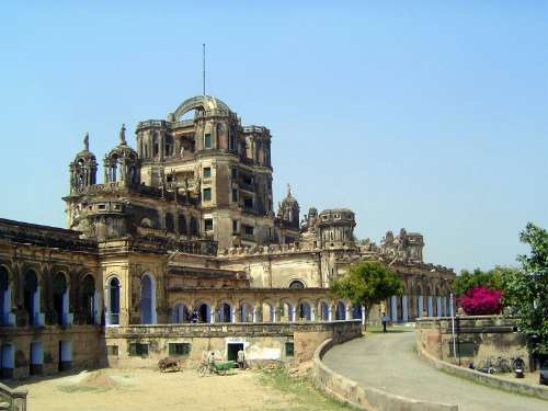 Northern India: Lucknow: La Martiniére and Christ Church picture 4