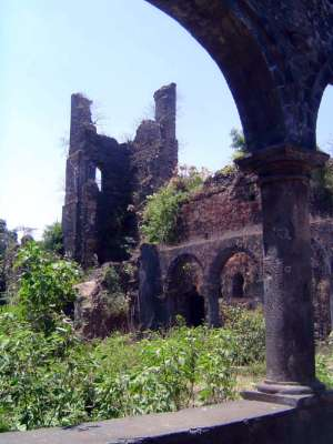 Peninsular India: Bassein Fort picture 7