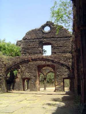 Peninsular India: Bassein Fort picture 8