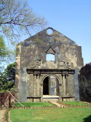 Peninsular India: Bassein Fort picture 24