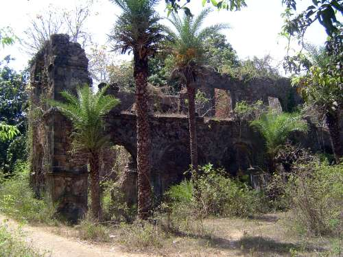 Peninsular India: Bassein Fort picture 25