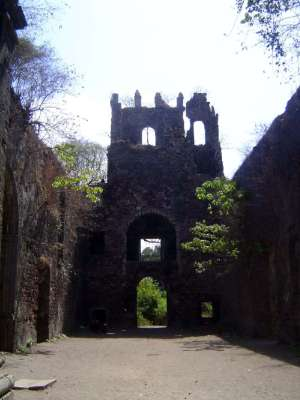 Peninsular India: Bassein Fort picture 29