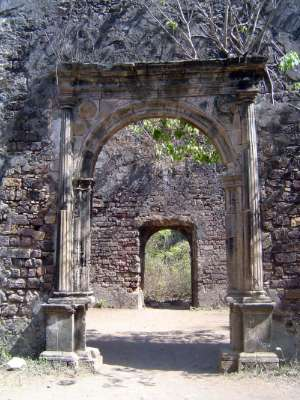 Peninsular India: Bassein Fort picture 30