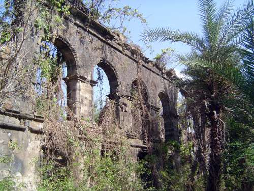 Peninsular India: Bassein Fort picture 35