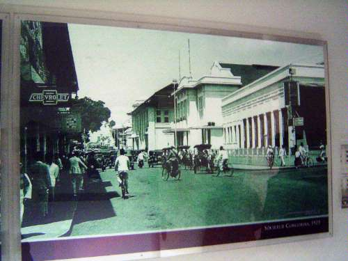 Indonesia: Bandung picture 4