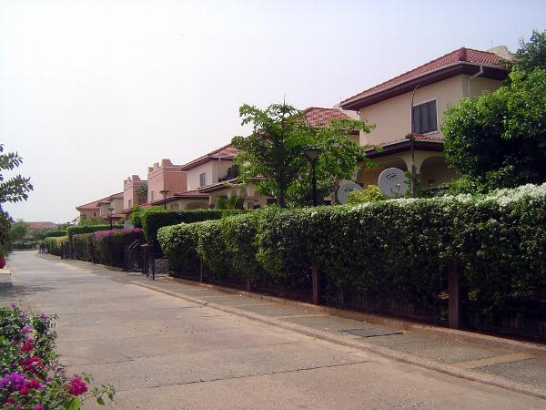 Ghana: Accra 4: Suburban Development picture 30