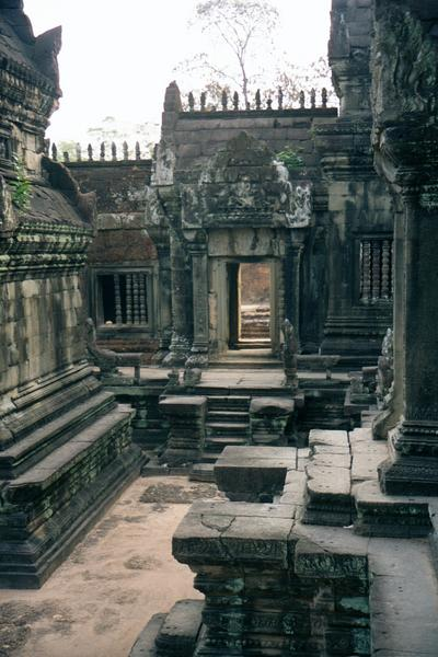 Cambodia (Angkor): East Mebon and Banteay Samre picture 16