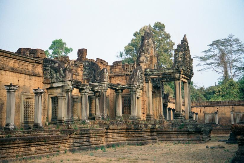 Cambodia (Angkor): East Mebon and Banteay Samre picture 9