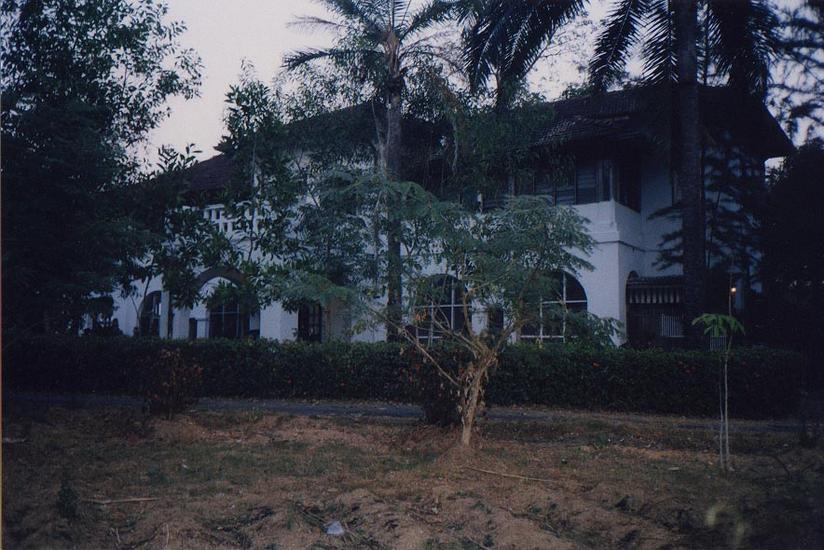 Burma / Myanmar: Moulmein 3: Colonial Houses picture 13
