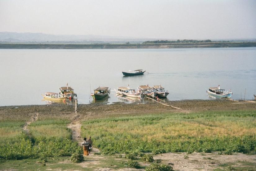 Burma / Myanmar: The Irrawaddy picture 4