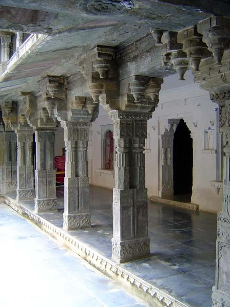 Peninsular India: Udaipur City Palace and Bagore ki Haveli picture 17