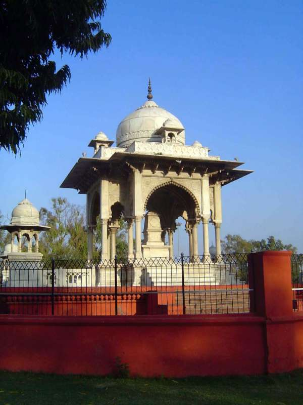 Northern India: Lucknow of the Europeans picture 9