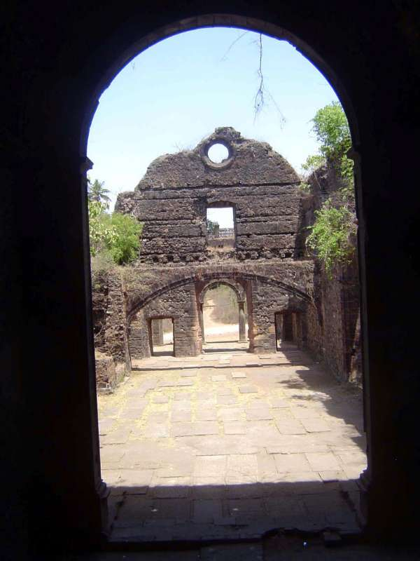 Peninsular India: Bassein Fort picture 9
