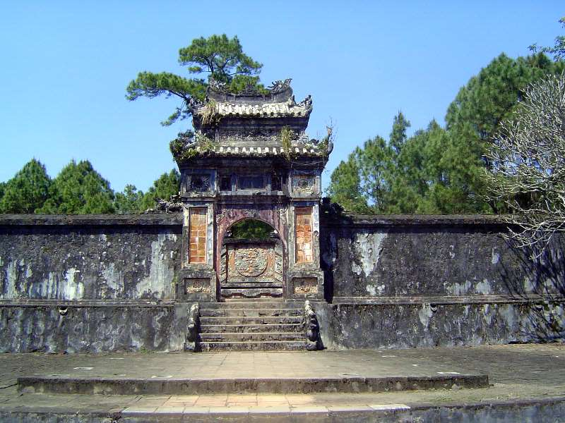 Vietnam: Hue: Royal Tombs picture 12