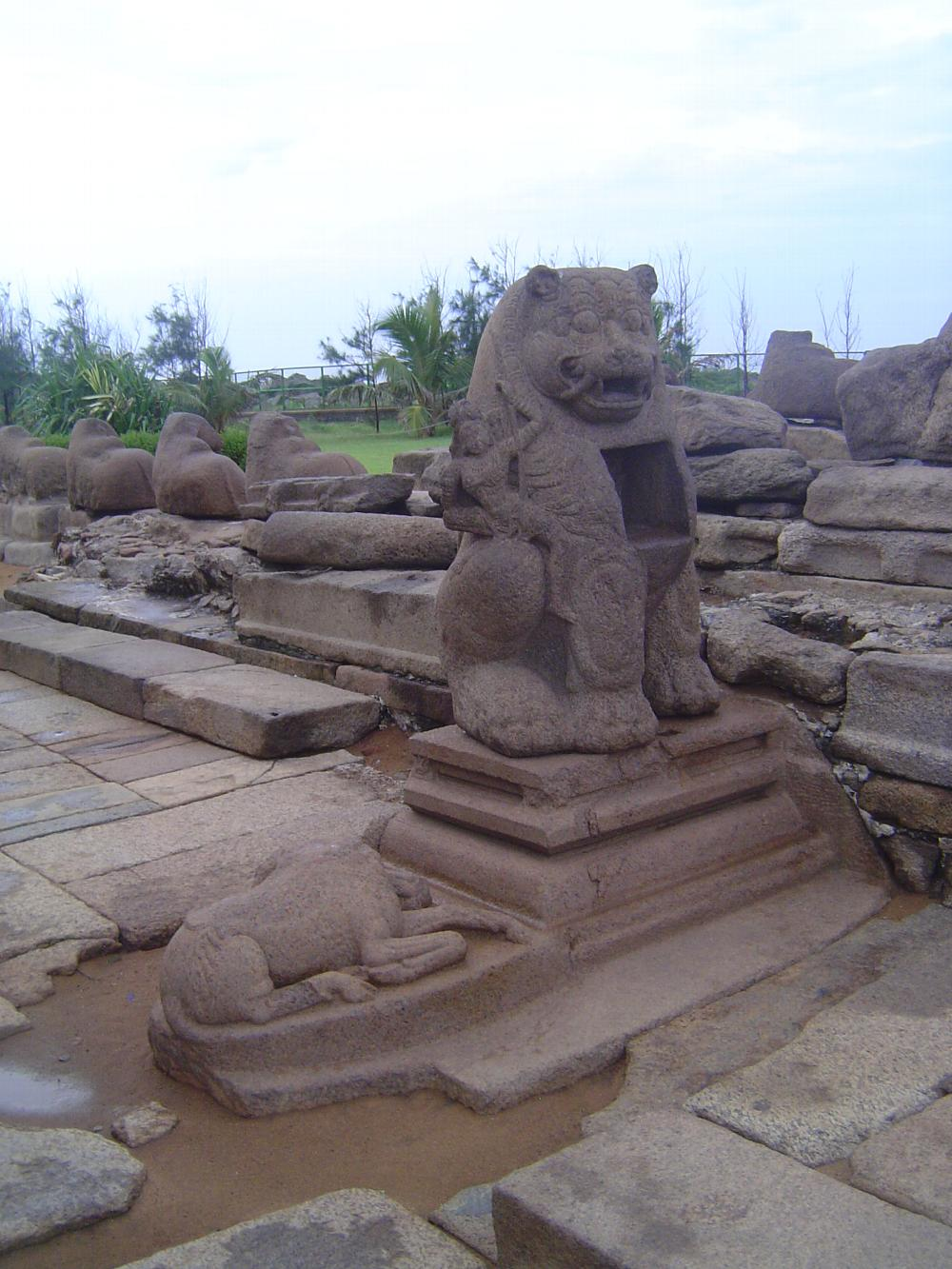 Peninsular India: Mamallapuram 3: Shore Temple picture 16
