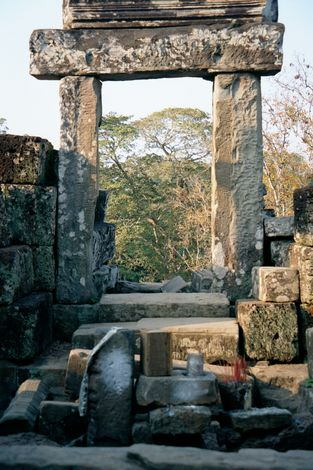 Cambodia (Angkor): Monuments in Angkor Thom picture 12